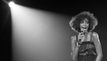10_04_2017_Whitney Can I Be Me_600x300 1